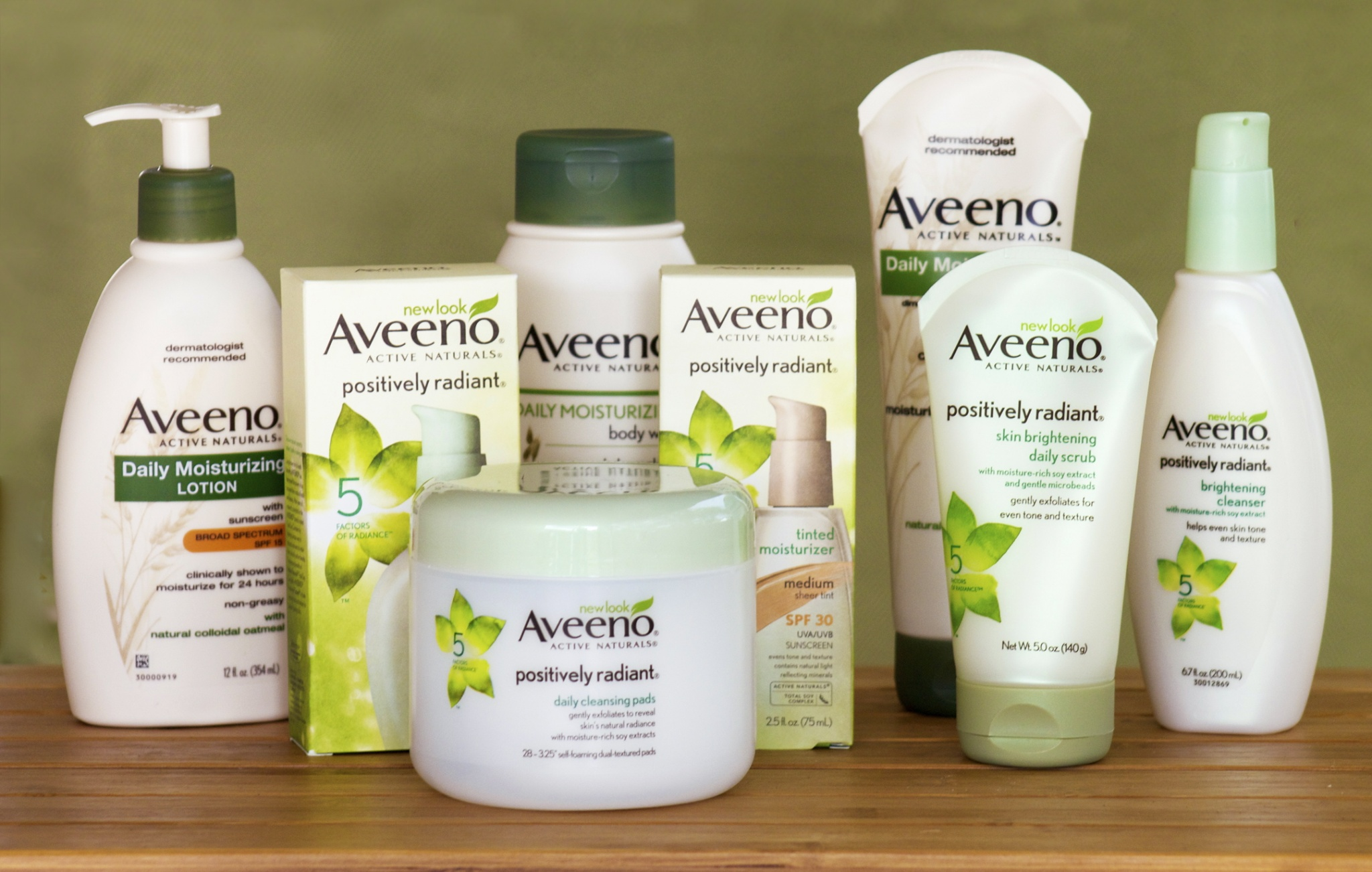 Aveeno Active Naturals - Leaving My Skin Looking Beautiful! - Growing Up Bilingual