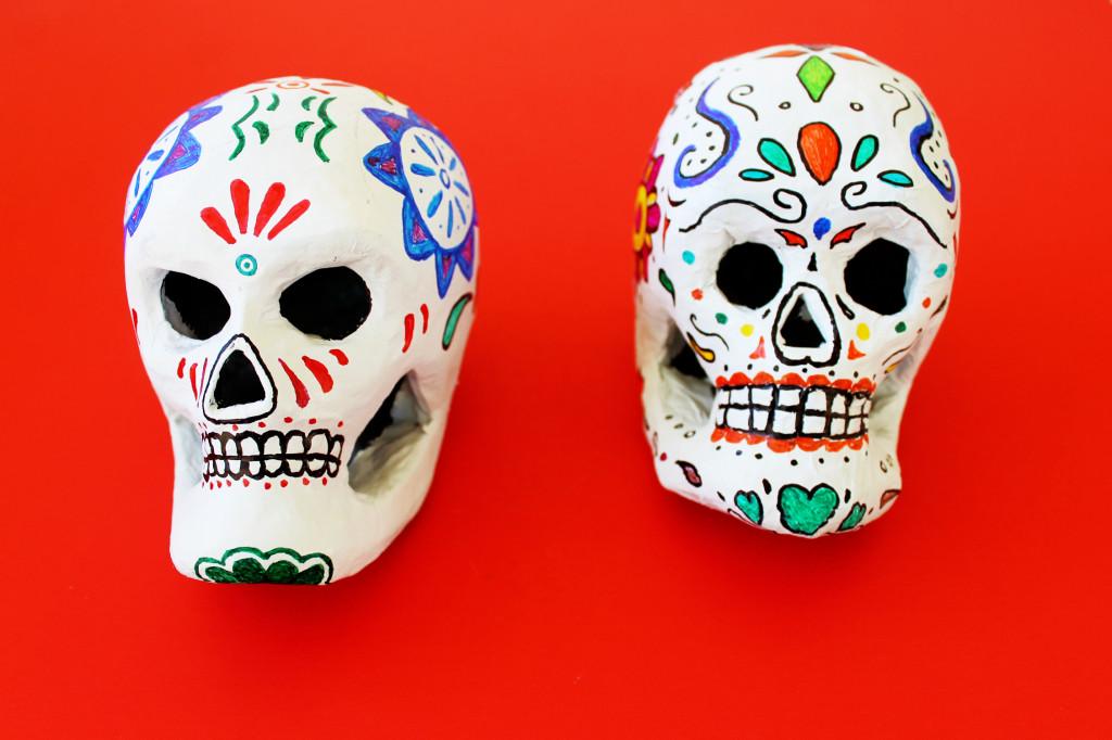 painted skull craft for el Dia de los Muertos