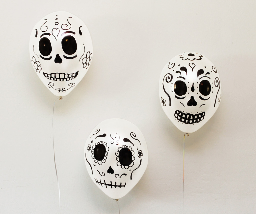10 Dia De Los Muertos (Day of the Dead) Ideas to Bring Your Party to Life: Sugar Skull Balloons