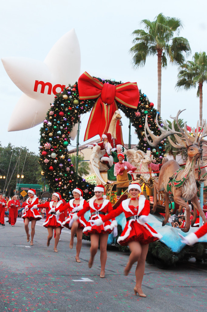 Macy's Holiday Parade at Universal Studios Orlando
