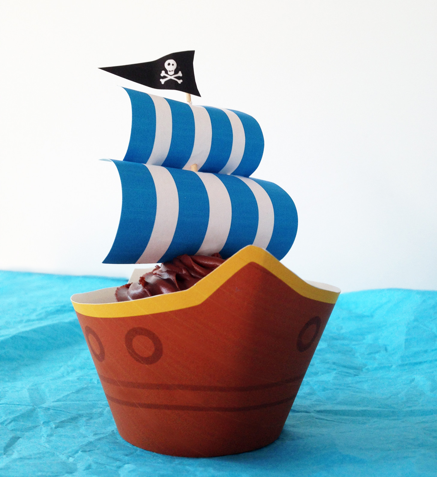 Pirate Ship Party Cupcakes With Free Printables Growing