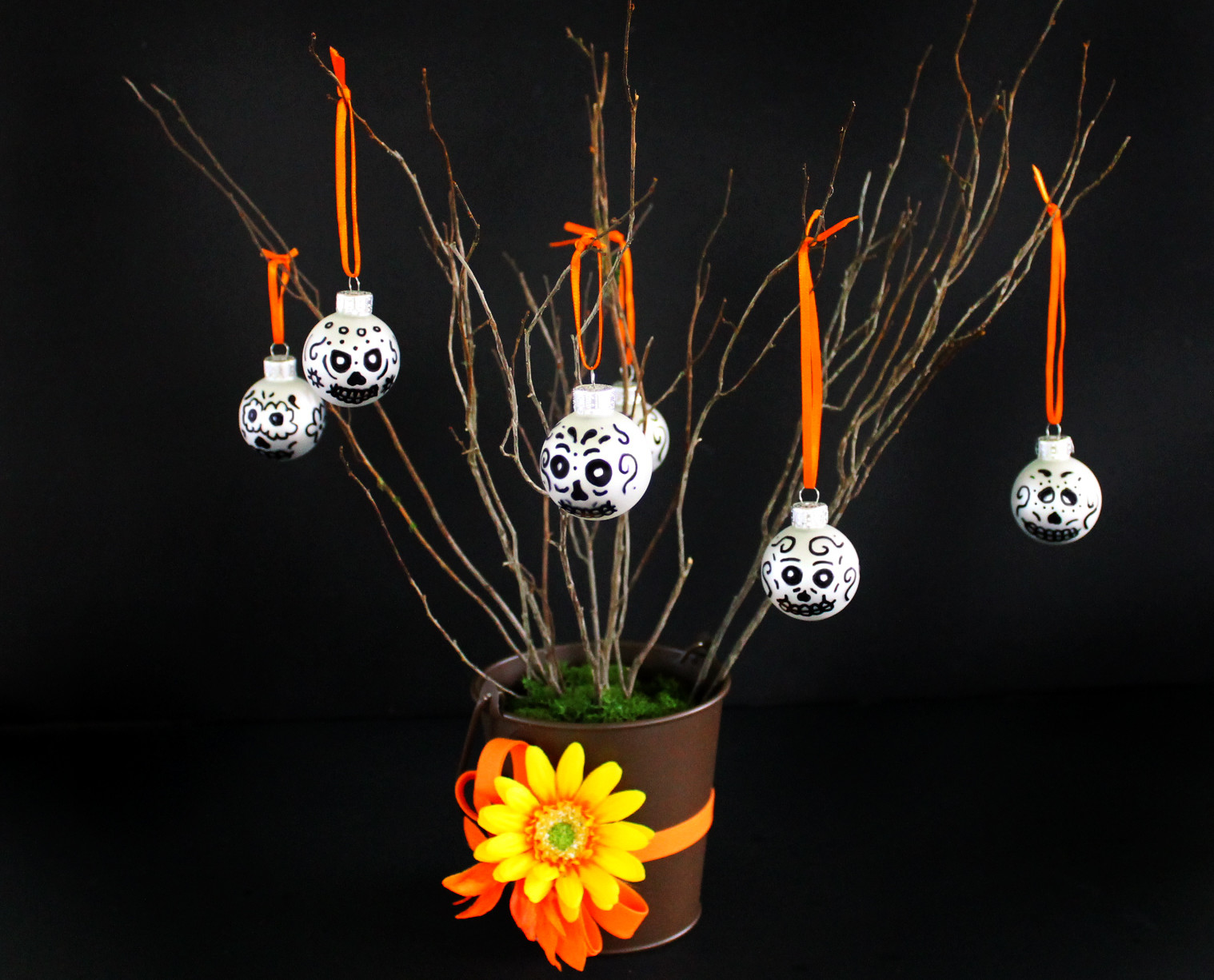 This Day of the Dead sugar skull tree is a fun DIY project and easy to make!