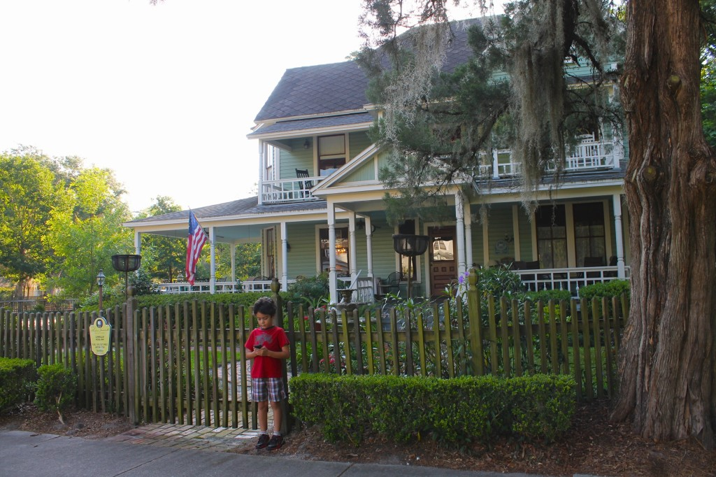 B&B historic district in Gainesville, cell phone self-guided tour