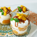 Mango ice cream pie with dulce de leche