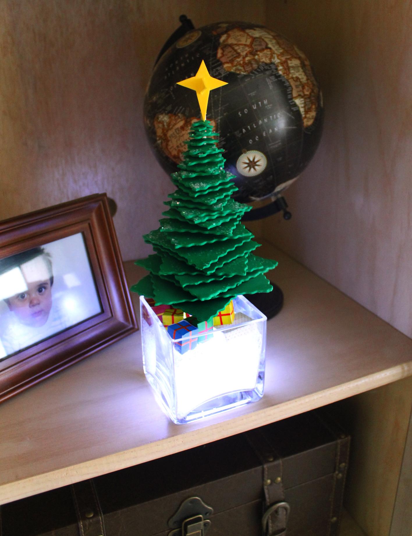 Как сделать елку в домашних условиях своими руками