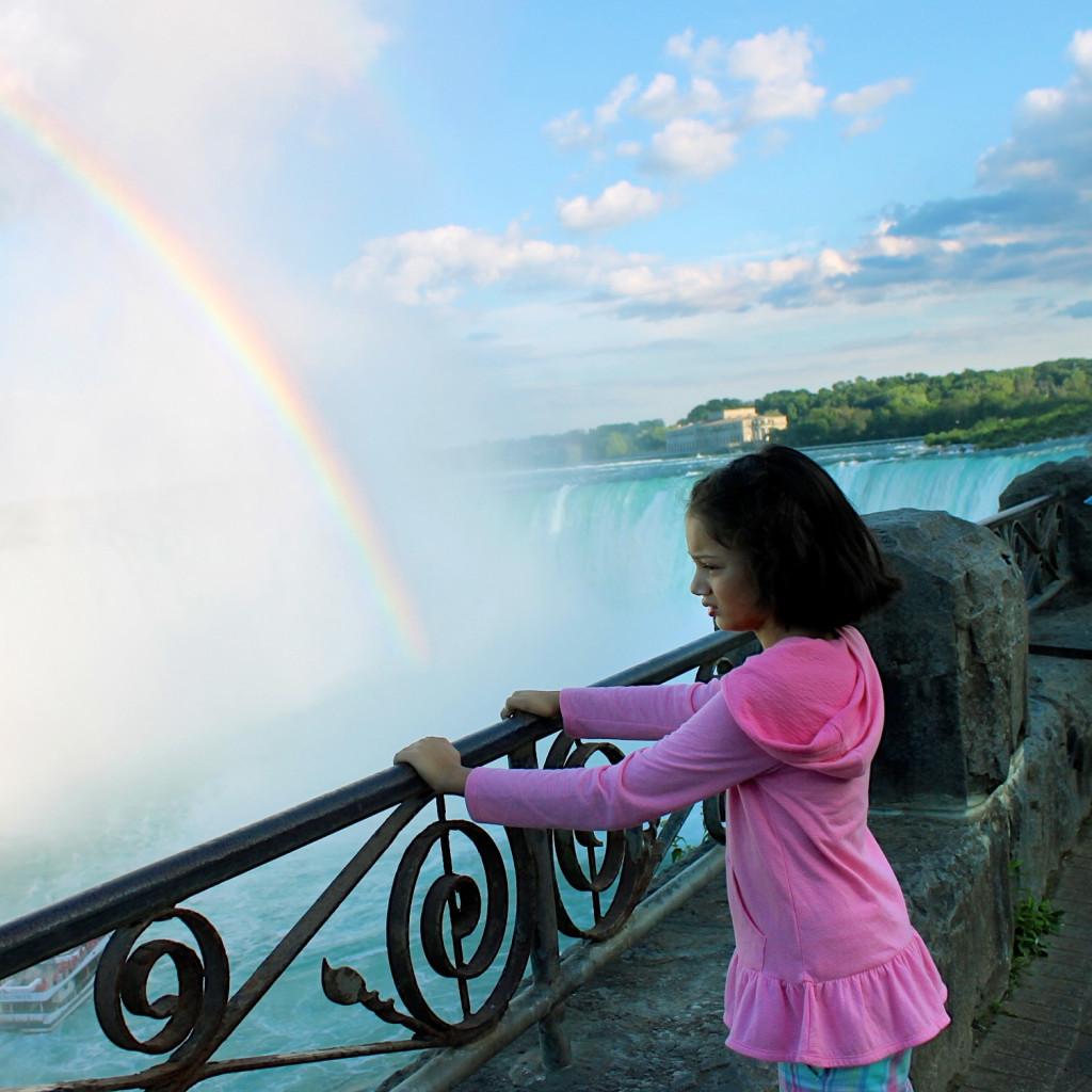 kid in Niagara Falls