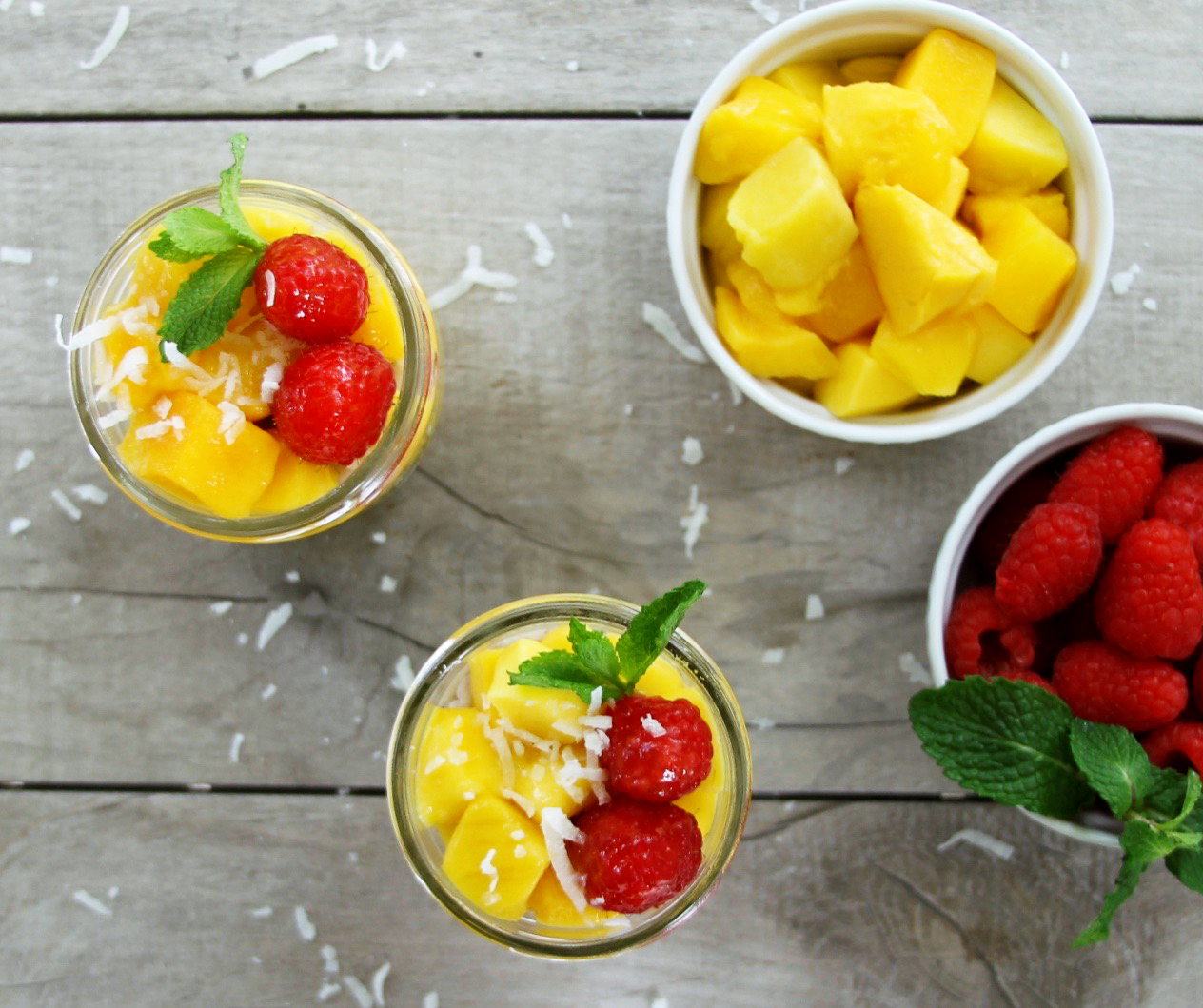 coconut and mango arroz con leche in a mason jar