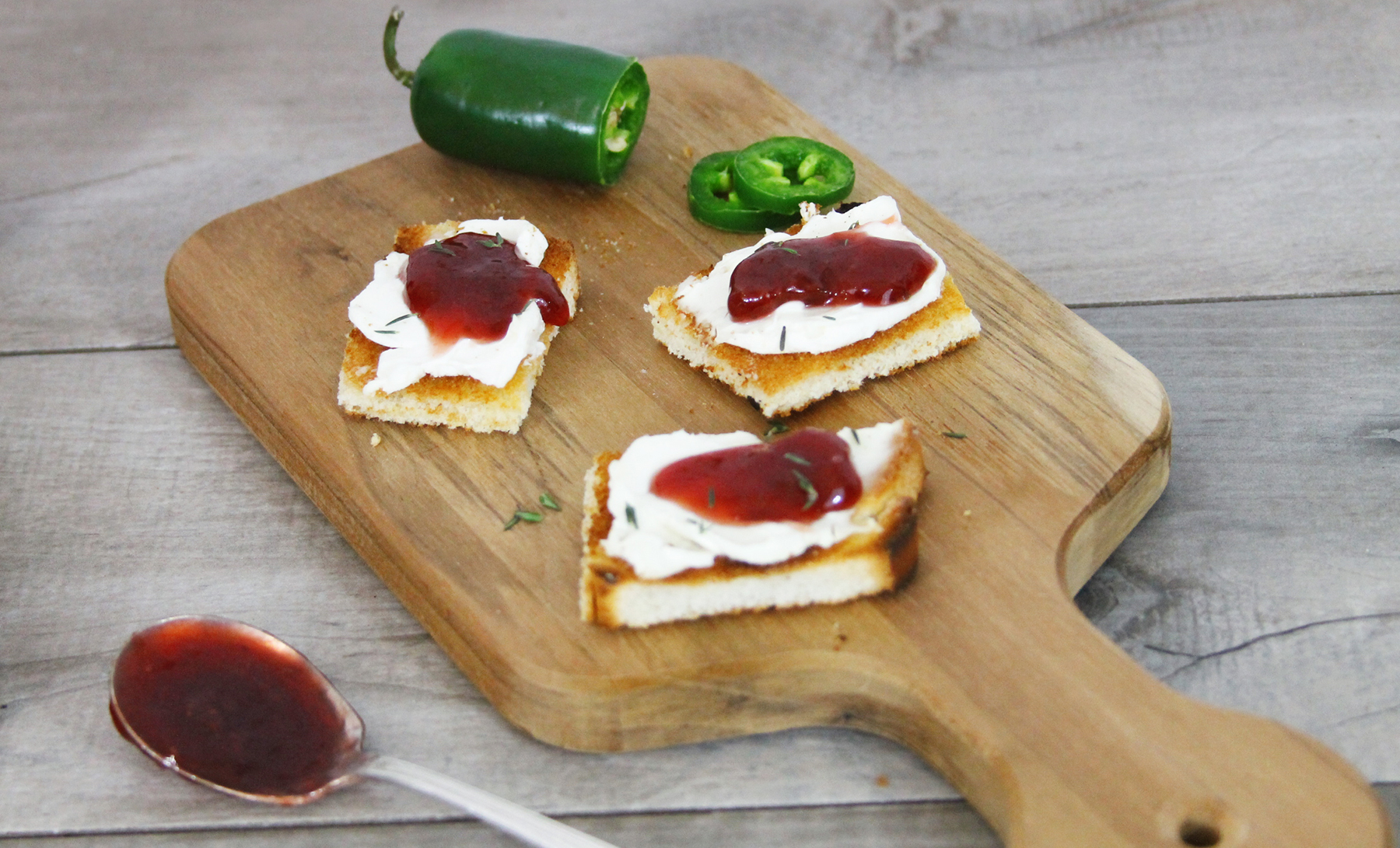 cream cheese and strawberry jalapeño crostini
