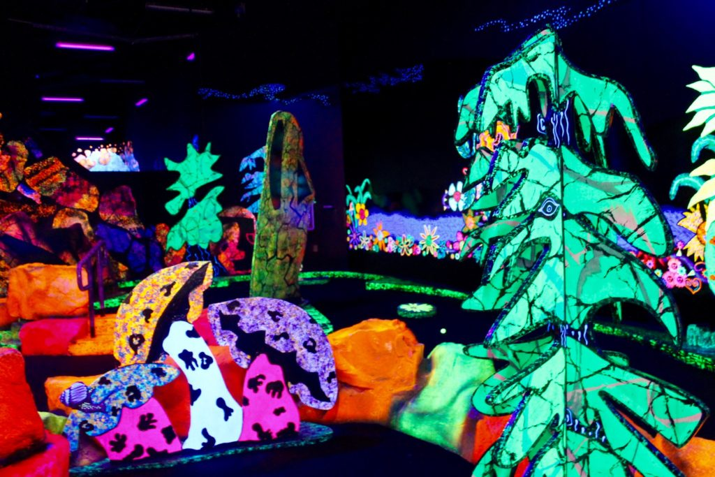 Putting Edge Orlando glow in the dark mini golf