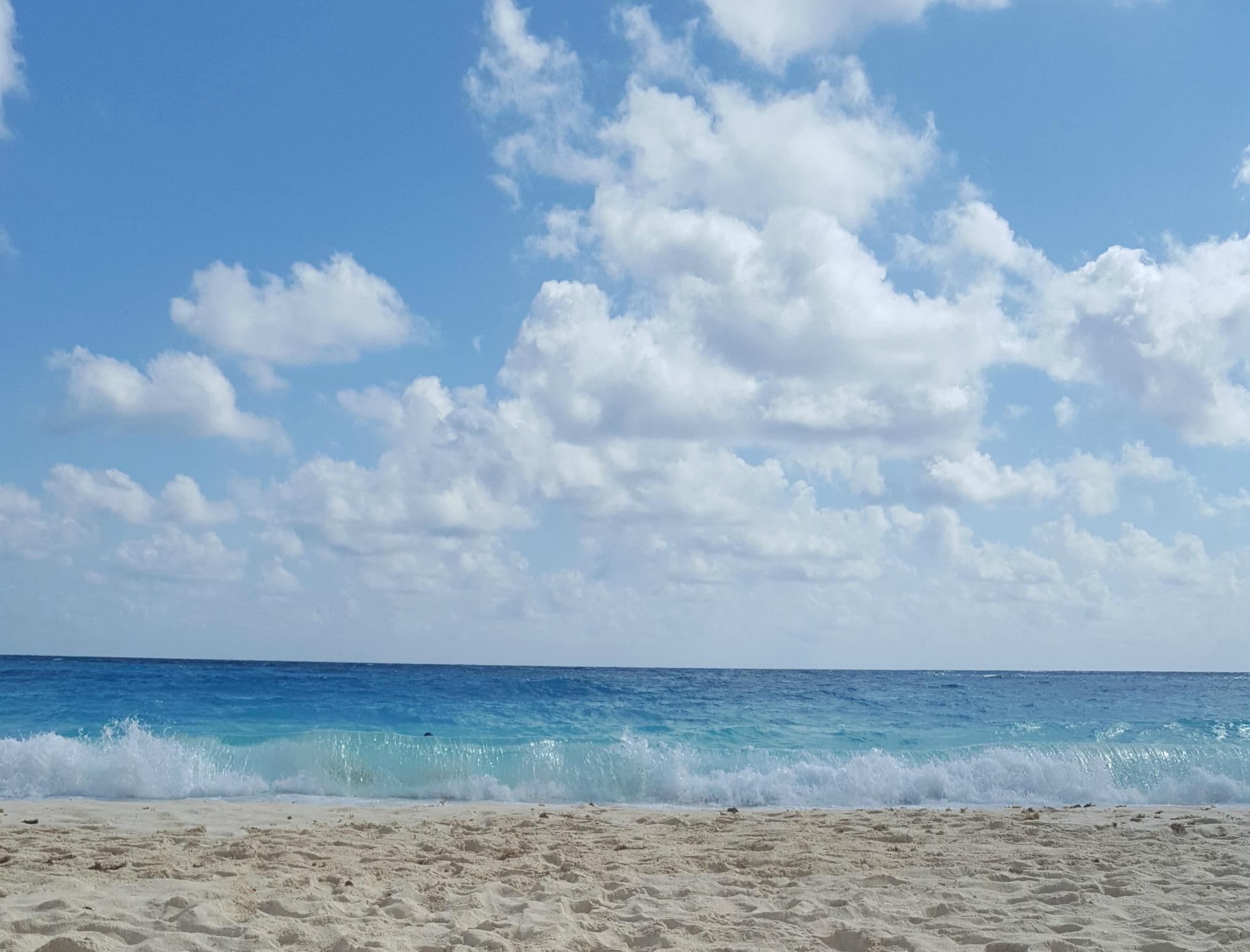 Wavy-Beach-Westin-Cancun