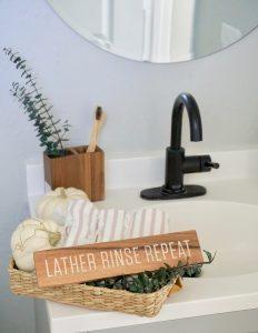 Fall Bathroom Decor and Organization Tips for Small Bathrooms